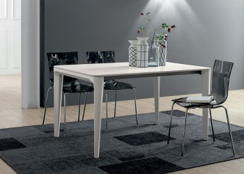 Обеденный стол Dafne