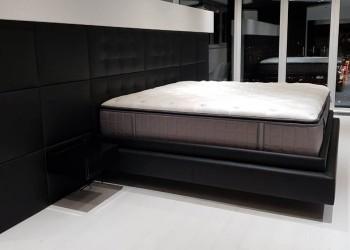 Кровать с